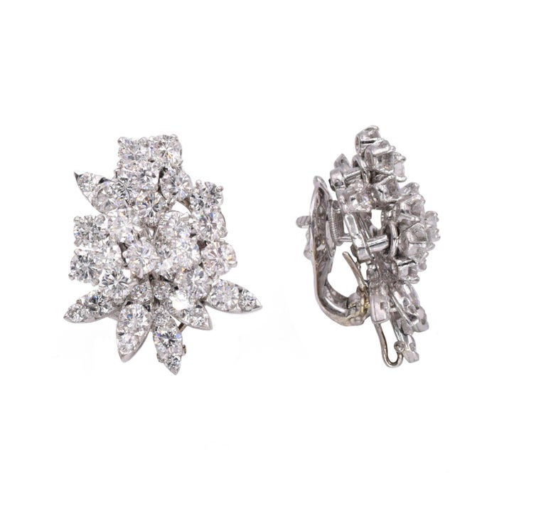 Women's Van Cleef & Arpels Diamond Earrings For Sale