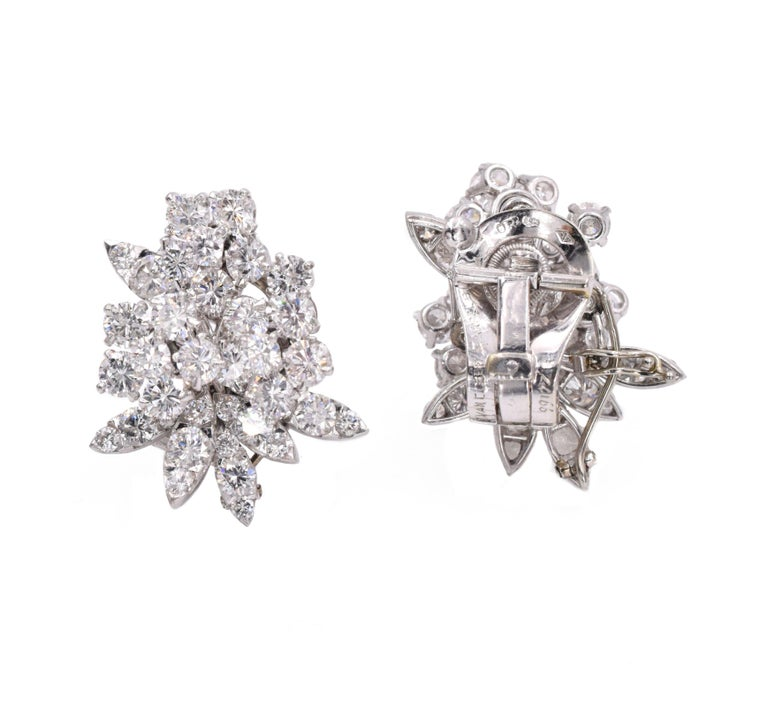 Van Cleef & Arpels Diamond Earrings For Sale 1