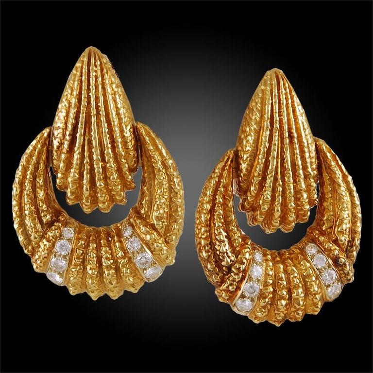 Van Cleef & Arpels Diamond Earrings For Sale 3