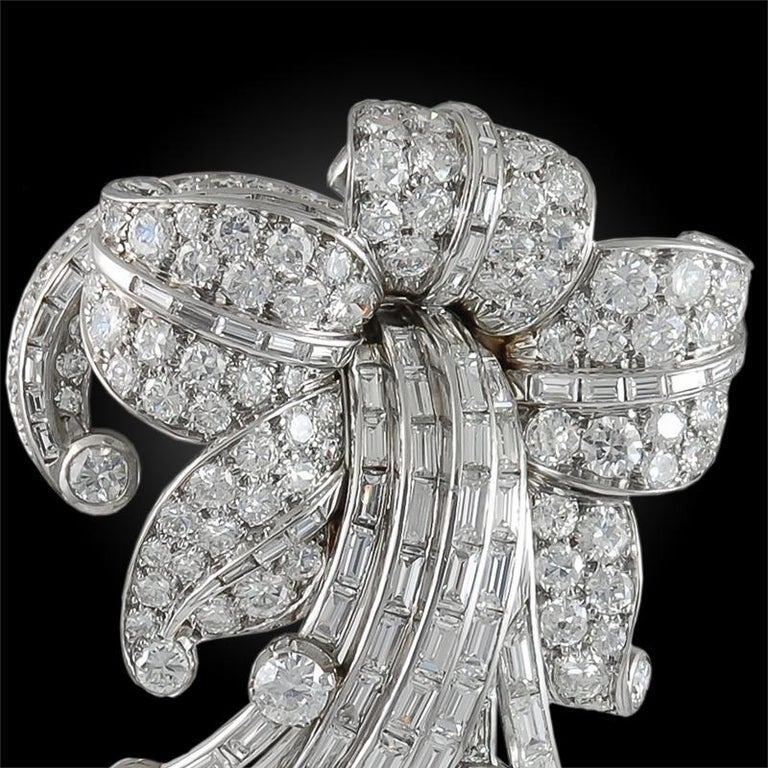 Van Cleef & Arpels Diamond Flower Brooch In Good Condition For Sale In New York, NY