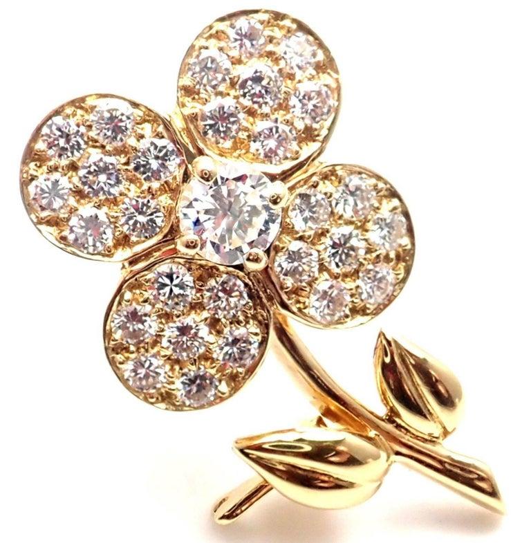 Van Cleef & Arpels Diamond Flower Yellow Gold Pin Brooch For Sale 5