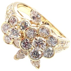 Van Cleef & Arpels Diamond Flower Yellow Gold Ring
