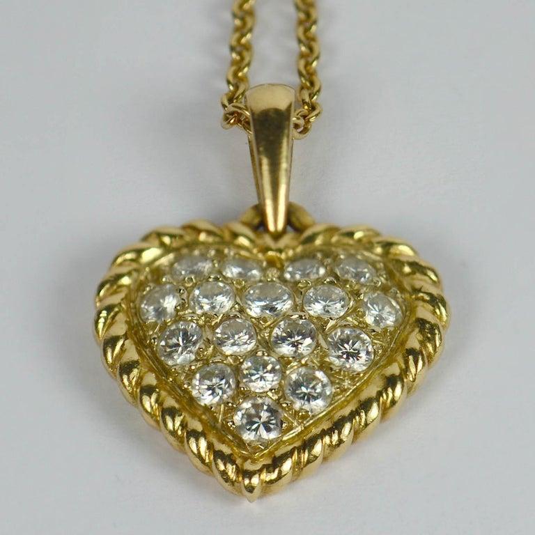 Round Cut Van Cleef & Arpels Diamond Gold Heart Pendant For Sale
