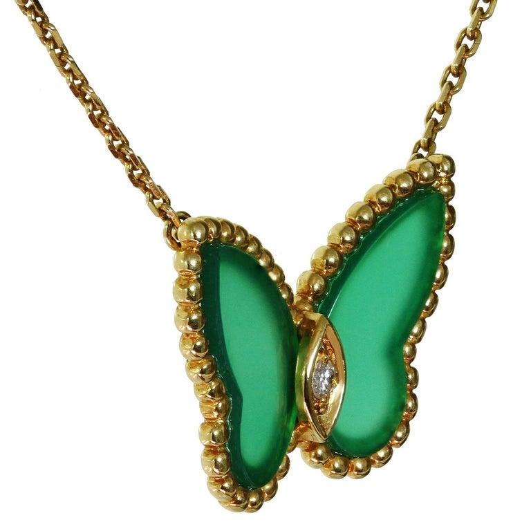 Van Cleef & Arpels Diamond Green Chalcedony 18 Karat Gold Butterfly Pendant Ne For Sale 1