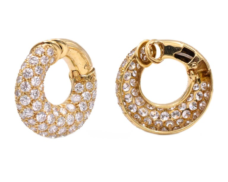 Round Cut Van Cleef & Arpels Diamond Hoop Earclips For Sale