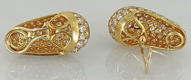 Van Cleef & Arpels Diamond Huggie Earrings In Good Condition For Sale In New York, NY