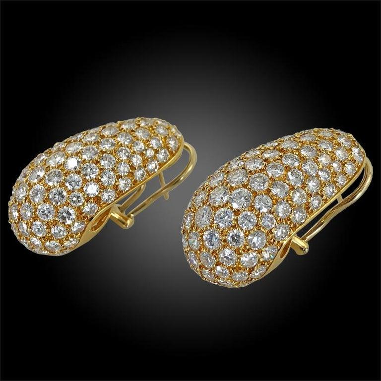 Women's Van Cleef & Arpels Diamond Huggie Earrings For Sale