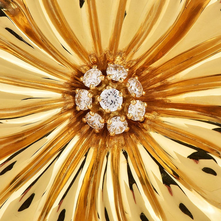 Modern Van Cleef & Arpels Diamond Large 18K Gold Magnolia Floral Pin Brooch For Sale