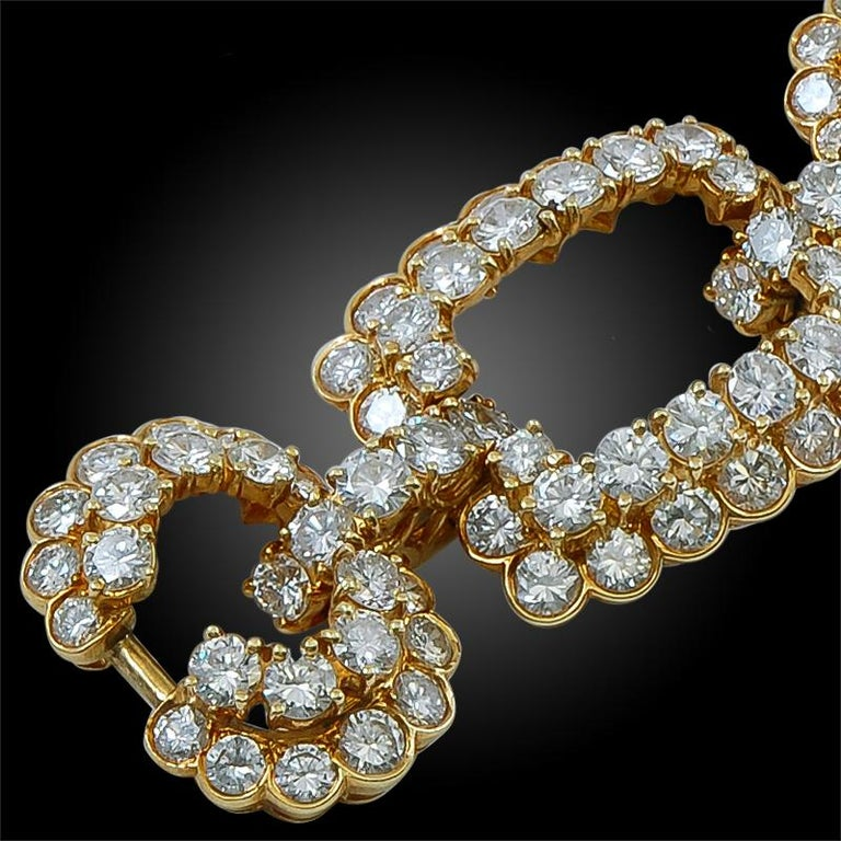 Van Cleef & Arpels Diamond Gold Link Bracelet In Good Condition For Sale In New York, NY