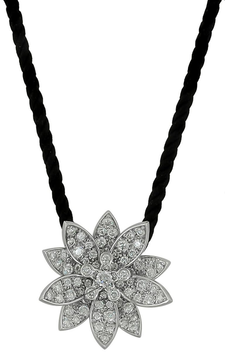 Van Cleef & Arpels Diamond Lotus Necklace In Good Condition For Sale In New York, NY