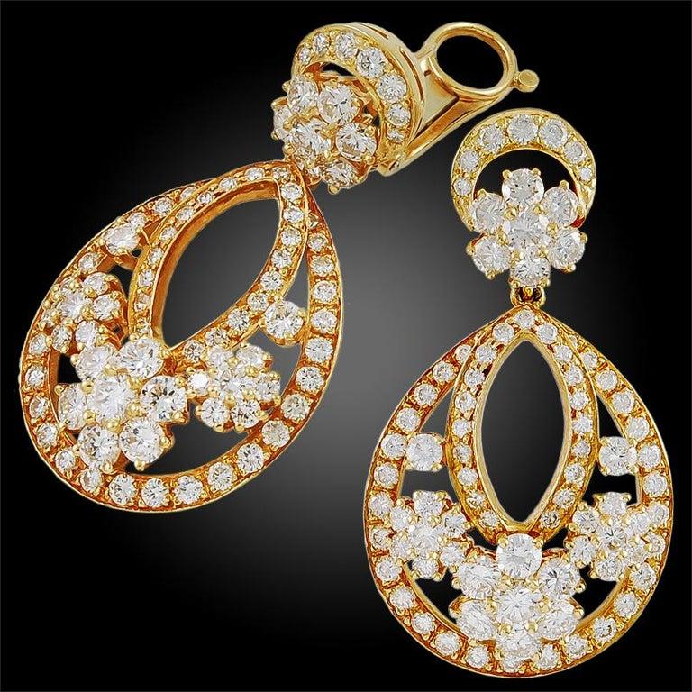 Van Cleef Arpels Diamond Mini Snowflakes Earrings