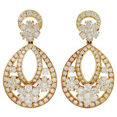 Van Cleef & Arpels Diamond Mini Snowflakes Earrings