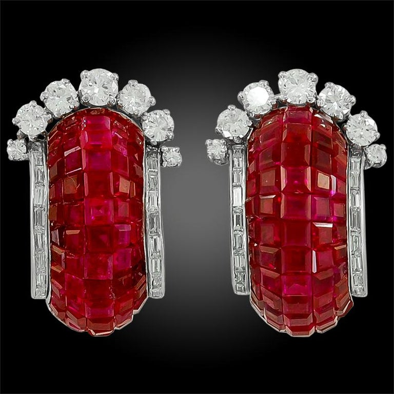 Van Cleef & Arpels Mystery Set™ Ruby Diamond Half Hoop Earrings In Good Condition For Sale In New York, NY