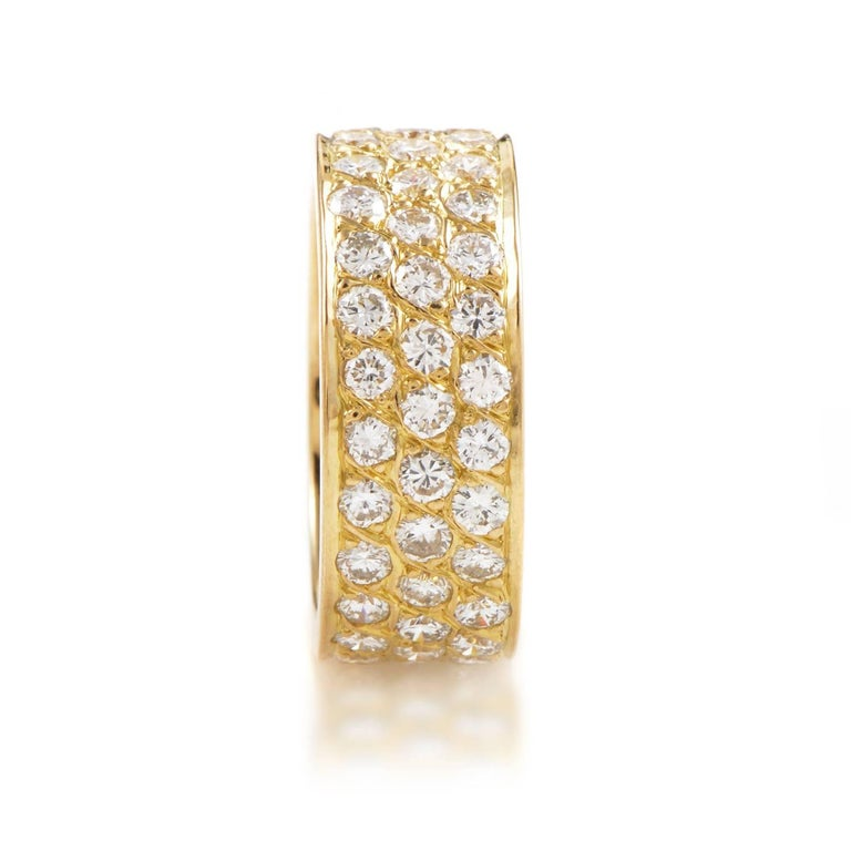 Van Cleef & Arpels Diamond Pave 18 Karat Yellow Gold Eternity Band Ring In Excellent Condition For Sale In Southhampton, PA