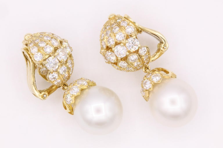Van Cleef & Arpels Diamond Pearl Earrings, Property of Rockefeller In Excellent Condition For Sale In New York, NY
