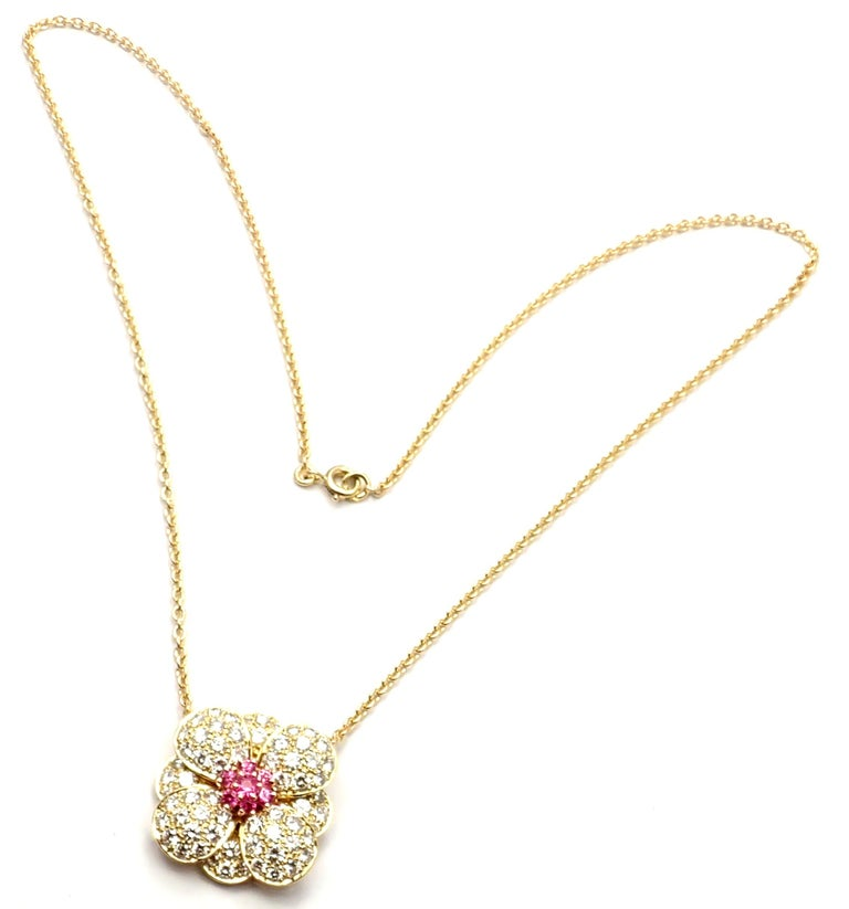Van Cleef & Arpels Diamond Pink Sapphire Flower Yellow Gold Pendant Necklace For Sale 7