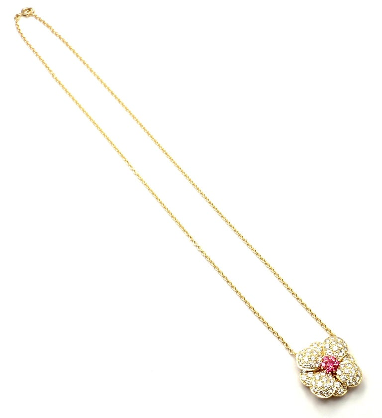 Van Cleef & Arpels Diamond Pink Sapphire Flower Yellow Gold Pendant Necklace For Sale 4