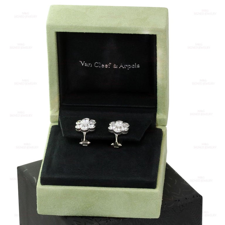 Van Cleef & Arpels Diamond Platinum Flower Earrings For Sale 2