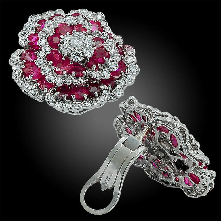 Van Cleef & Arpels Diamond Ruby Flower Ear Clips In Good Condition For Sale In New York, NY