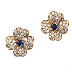 Van Cleef & Arpels Diamond Sapphire Cosmo 18 Karat Gold Small Size Earclips