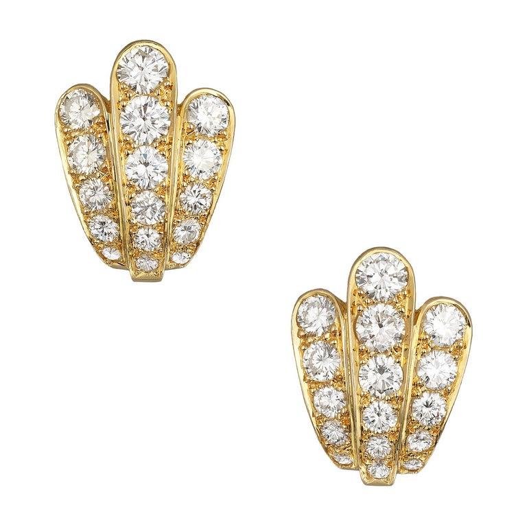 Van Cleef & Arpels Diamond Scallop Shell Vintage Earrings in 18K Gold For Sale
