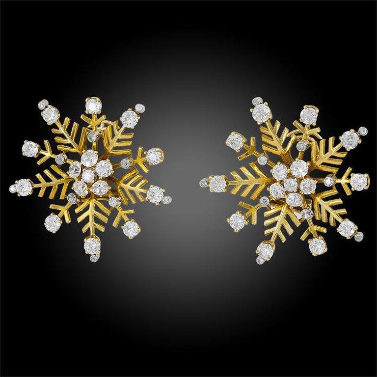 Women's or Men's Van Cleef & Arpels Diamond Snowflakes Ear Clips For Sale