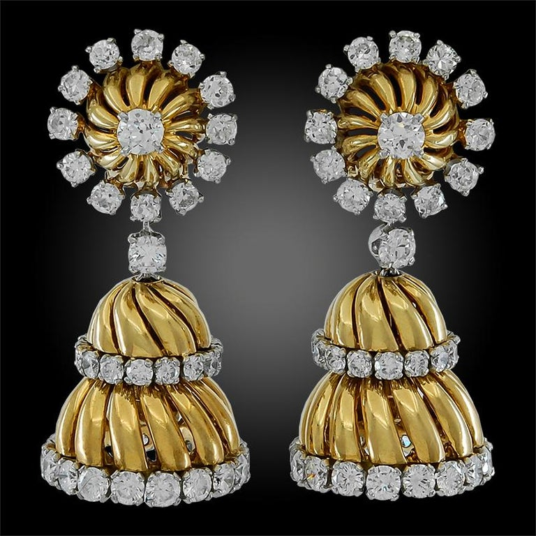 Van Cleef & Arpels Diamond Tassel Earrings In Good Condition For Sale In New York, NY