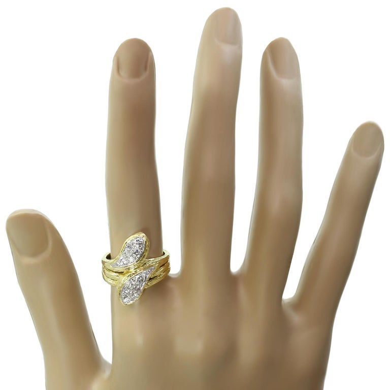 Van Cleef & Arpels Diamond Textured Yellow Gold Ring In Excellent Condition For Sale In New York, NY