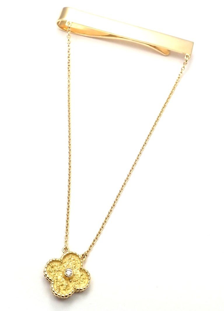 Van Cleef & Arpels Diamond Vintage Alhambra Yellow Gold Tie Clip For Sale 2
