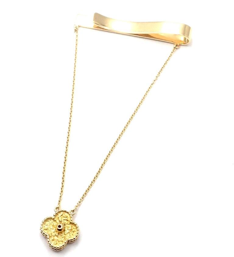 Van Cleef & Arpels Diamond Vintage Alhambra Yellow Gold Tie Clip For Sale 4