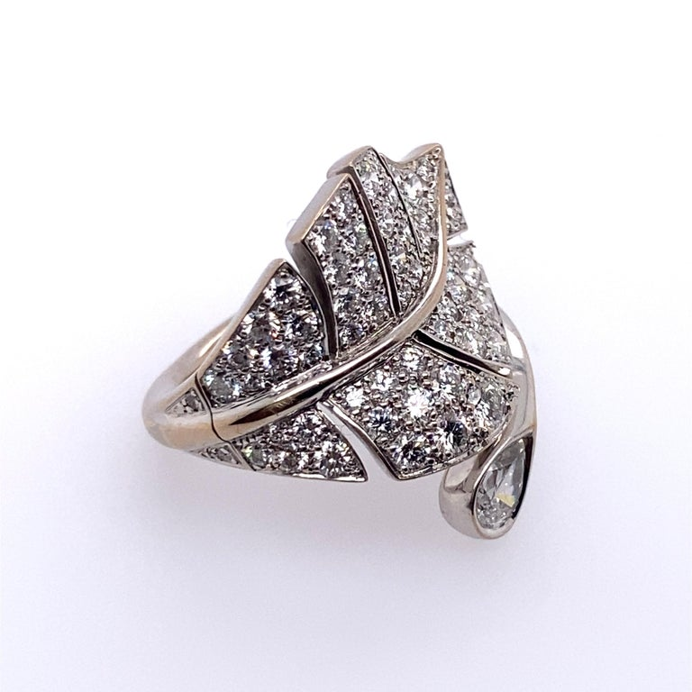 Contemporary Van Cleef & Arpels Diamond 'Virevolte' Ring For Sale
