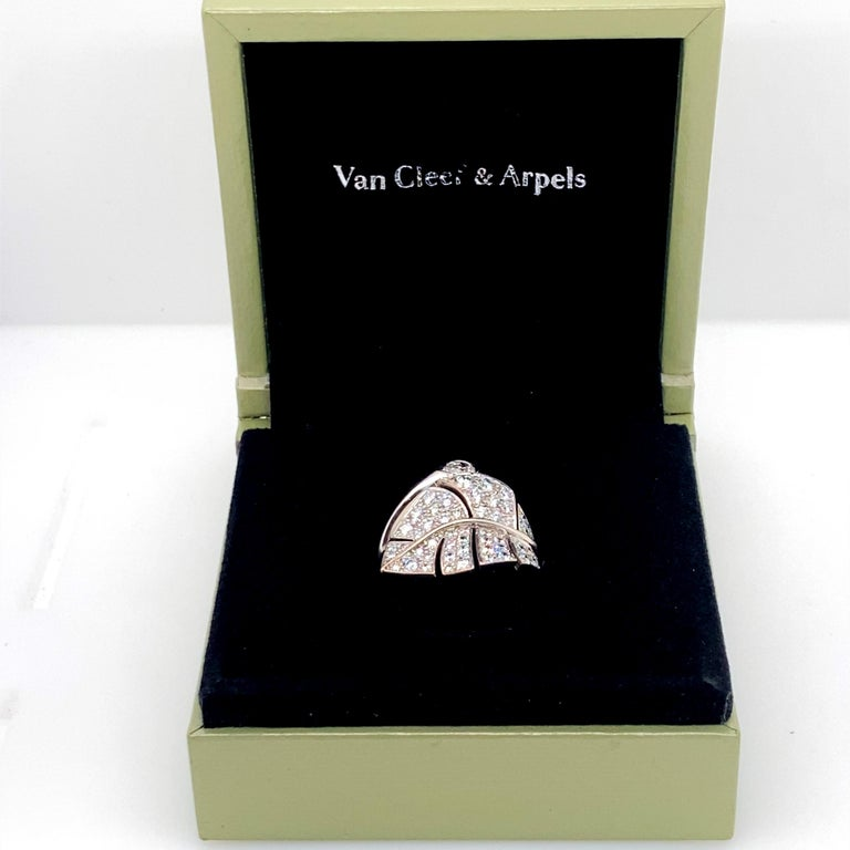 Women's Van Cleef & Arpels Diamond 'Virevolte' Ring For Sale