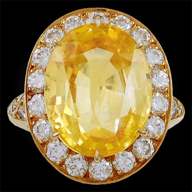 Van Cleef & Arpels Diamond Yellow Sapphire Necklace Suite In Excellent Condition For Sale In New York, NY