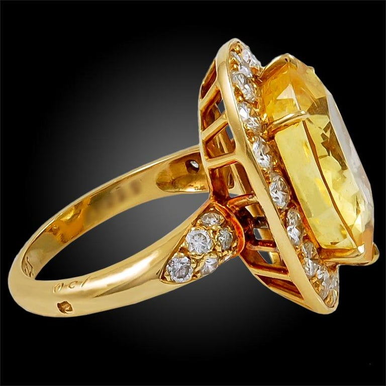 Van Cleef & Arpels Diamond Yellow Sapphire Necklace Suite For Sale 1