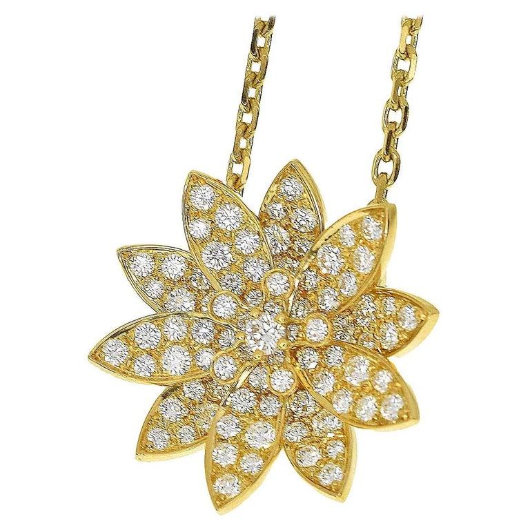 Van Cleef & Arpels Diamonds 18 Karat Yellow Gold Lotus Clip Pendant Necklace For Sale