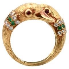 Van Cleef & Arpels Double Swan Ring 18 Karat Emerald Diamond Collar