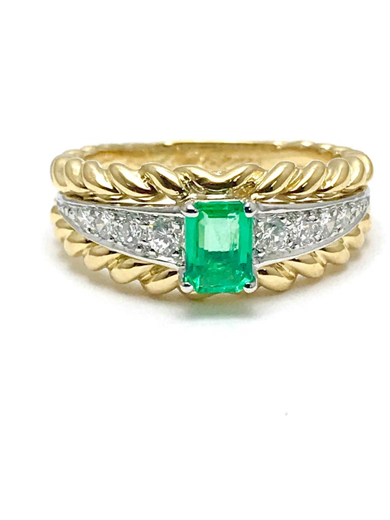 Van Cleef & Arpels Emerald and Diamond Platinum and Yellow Gold Ring For Sale 2
