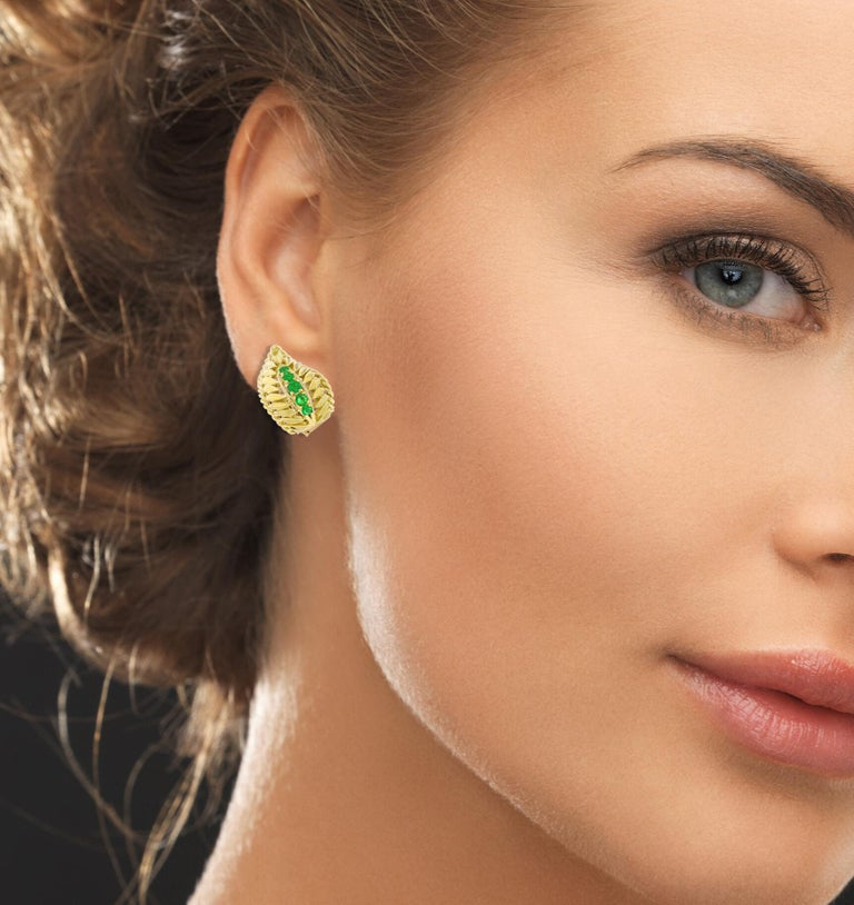 Van Cleef & Arpels Emerald Wing Earrings In Excellent Condition For Sale In Bethesda, MD