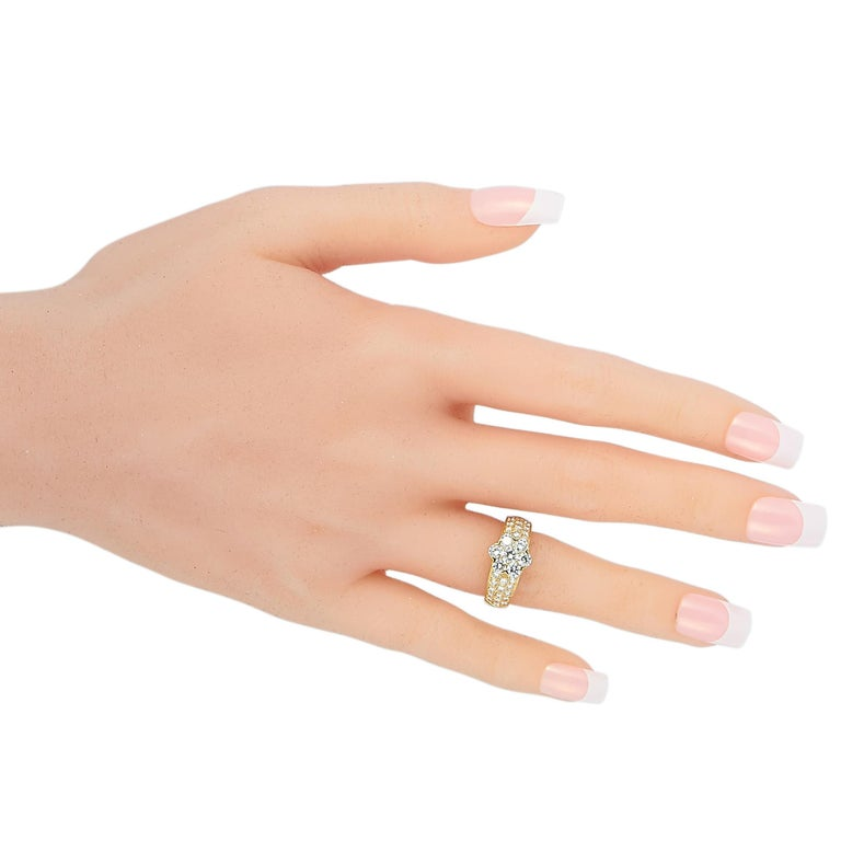 Round Cut Van Cleef & Arpels Fleurette 18 Karat Yellow Gold 1.50 Carat Diamond Ring