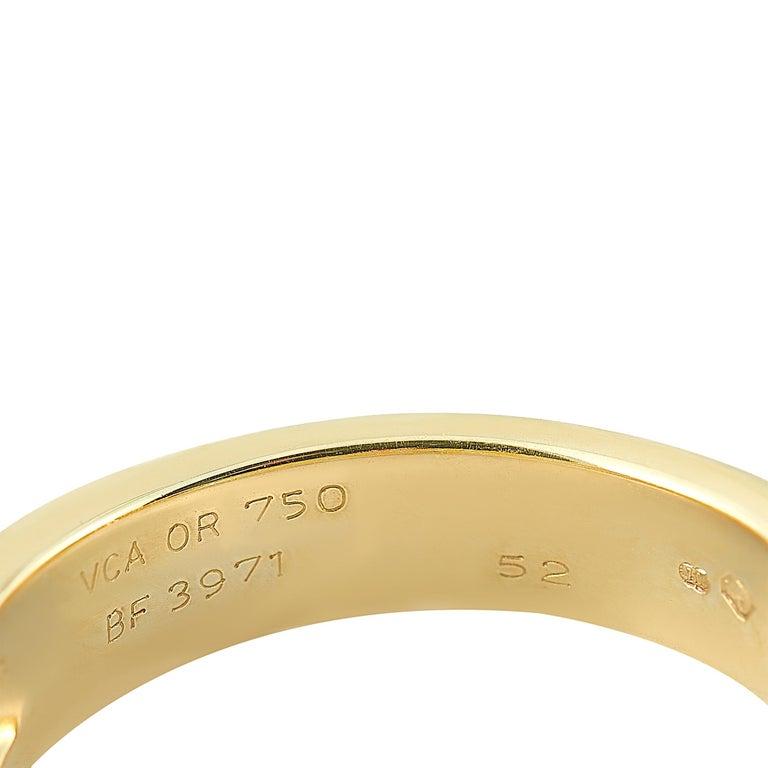 Van Cleef & Arpels Fleurette 18 Karat Yellow Gold 1.50 Carat Diamond Ring In Excellent Condition In Southampton, PA