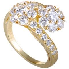 Van Cleef & Arpels Fleurette 2.50 Carat Diamond Flower Bypass 18 Karat Gold Ring