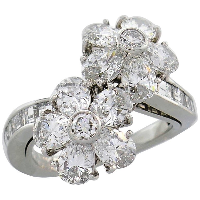 Van Cleef & Arpels Fleurette Diamond Platinum Ring VCA For Sale