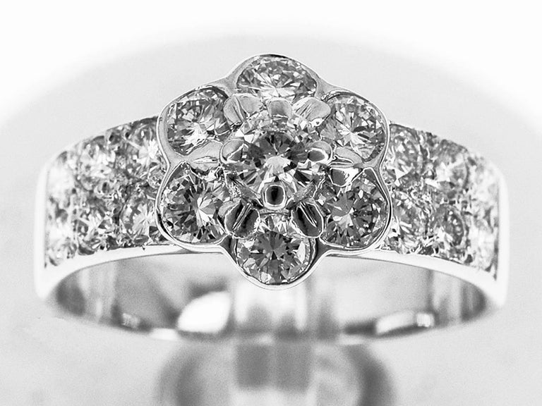 Brand: Van Cleef&Arpels Name:Madre Diamond Ring Material:19P Diamond (D0.98ct), 750 K18 WG White Gold Comes with:Van Cleef&Arpels Box,Case,Repair Certificate(Dec 2014) Size:British & Australian:J 1/2  /   US & Canada:4.5 /  French & Russian:49 /