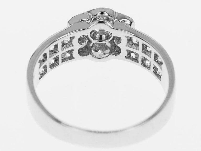 Van Cleef & Arpels Diamond 18 Karat White Gold Fleurette Madre Ring US 4.5 In Good Condition For Sale In Tokyo, JP