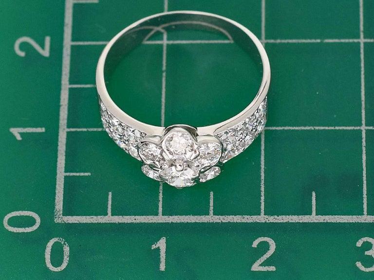 Van Cleef & Arpels Diamond 18 Karat White Gold Fleurette Madre Ring US 4.5 For Sale 3