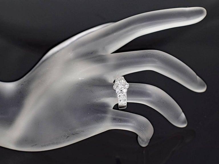 Van Cleef & Arpels Diamond 18 Karat White Gold Fleurette Madre Ring US 4.5 For Sale 4