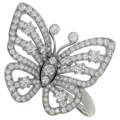 Van Cleef & Arpels Flying Butterfly Between the Finger Diamond White Gold Ring