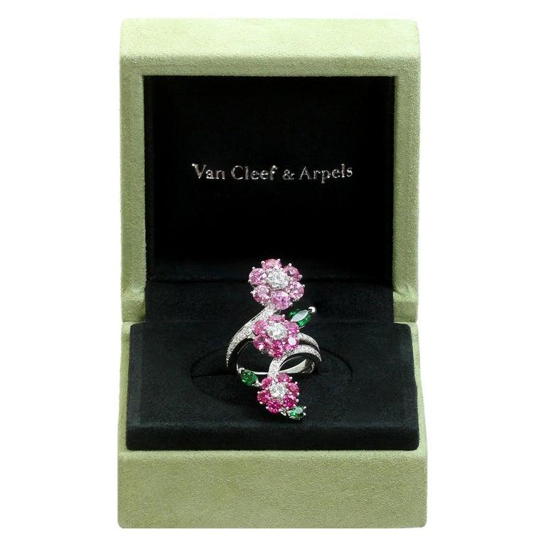 Brilliant Cut Van Cleef & Arpels Folie des Près Pink Sapphire Diamond White Gold Ring For Sale