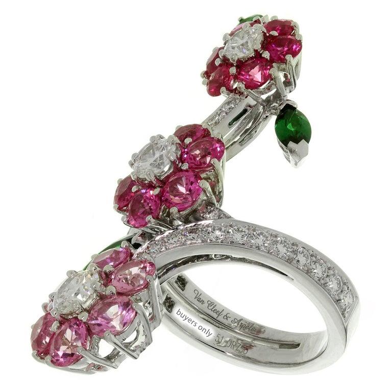 Women's Van Cleef & Arpels Folie des Près Pink Sapphire Diamond White Gold Ring For Sale