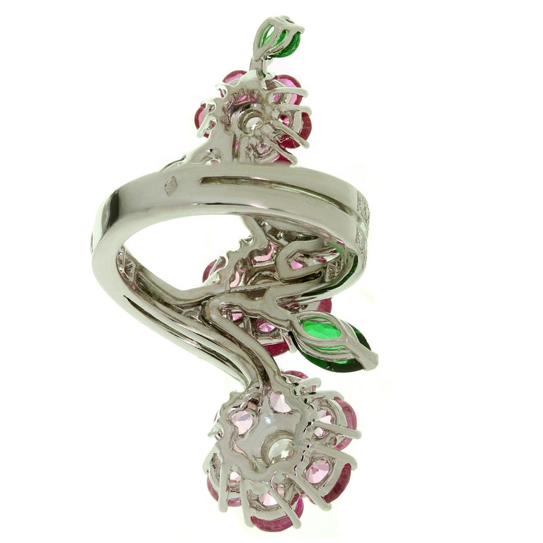 Van Cleef & Arpels Folie des Près Pink Sapphire Diamond White Gold Ring For Sale 4